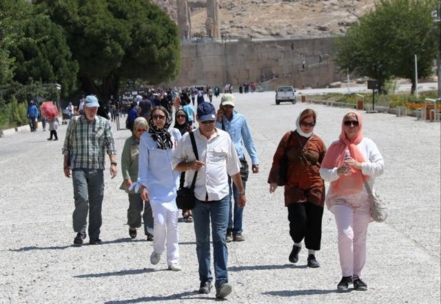 ثبت بیش از 253 هزار بازدید گردشگران خارجی از اماکن تاریخی استان فارس