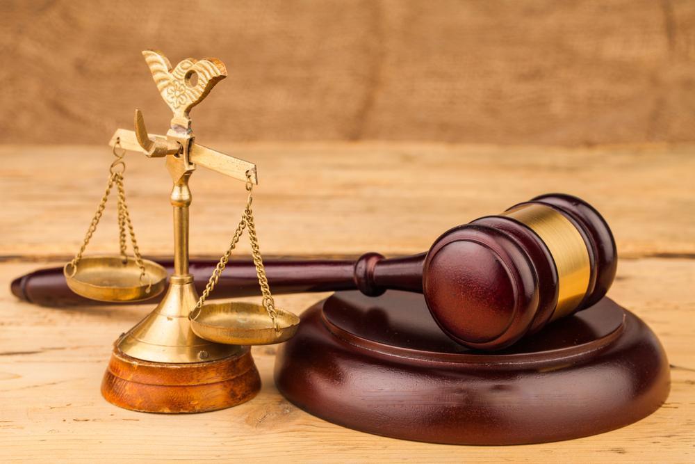 بازداشت دو تن از روسای دادگاه کارکنان دولت تکذیب شد