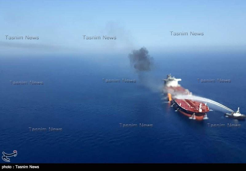فیلمها و عکسهای اختصاصی خبرنگاران از حادثه امروز نفتکش ها در دریای عمان و ناوشکن آمریکایی