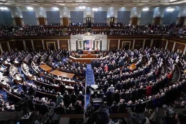 ترامپ: کنگره آمریکا یا به نامزدهای من رأی دهد یا رسماً تعطیل گردد!