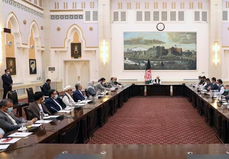 برآورد ها درباره چرایی تاخیر سفر هیئت مذاکره کننده افغانستان به قطر
