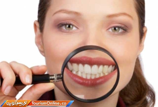چگونه دندان های شفاف و براقی داشته باشیم؟