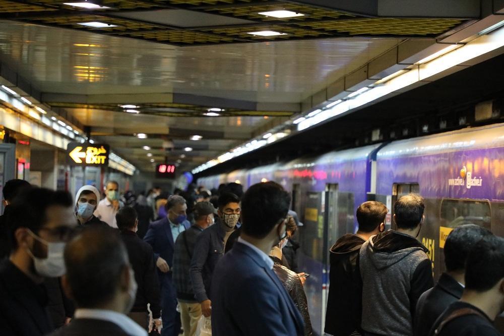 خدمت رسانی پرسنل شرکت بهره برداری متروی تهران در تعطیلات کرونایی