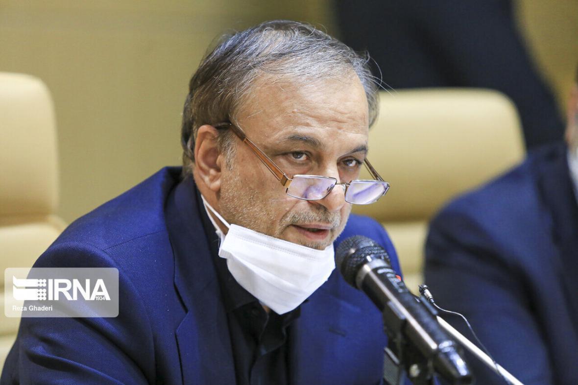 خبرنگاران وزیر صمت از خودکفایی 4 قلم کالای اصلی مرتبط با کرونا خبر داد