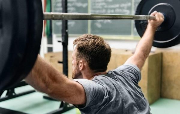 9 فایده حیرت آور تمرین با وزنه برای سلامت جسم و ذهن