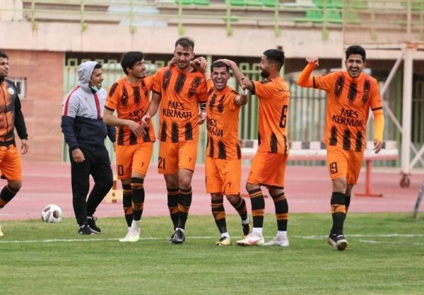 لیگ دسته اول فوتبال، ادامه صدرنشینی مس کرمان و برتری ملوان در جدال شمالی ها