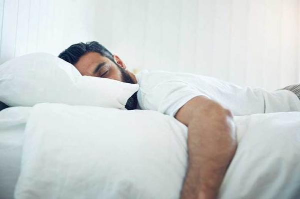 اشتباه خوابیدن باعث پیری زودرس می گردد