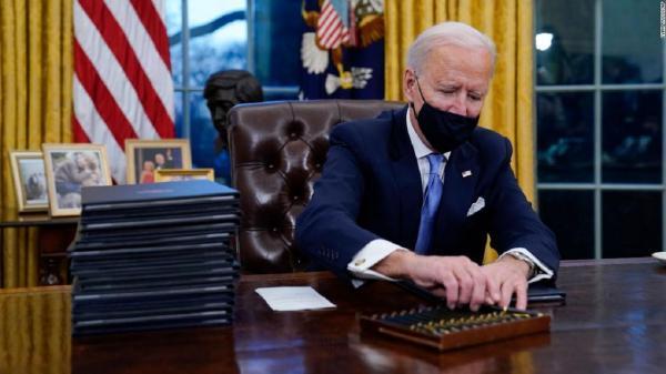 چرا رؤسای جمهور آمریکا از اتوماتیک های متفاوت برای امضای اسناد استفاده می نمایند؟