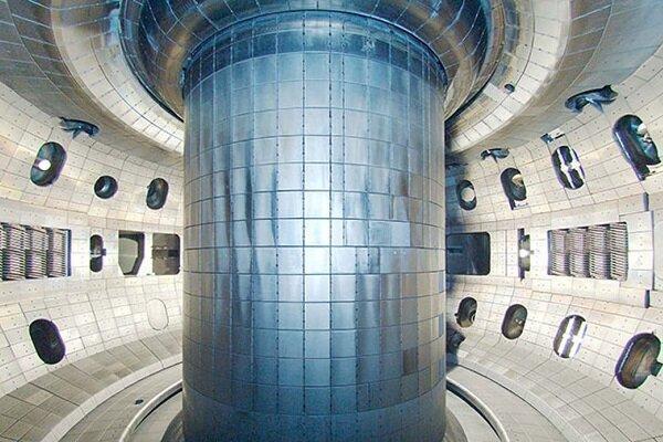 انگلیس راکتورهای هسته ای تازه می سازد